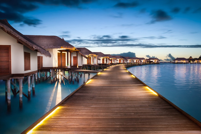 Jumeirah_vittaveli_-_water_villas_with_pool